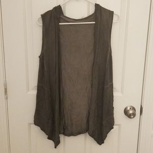 Lucy & Laurel Gray Open Tanktop with Hood Small